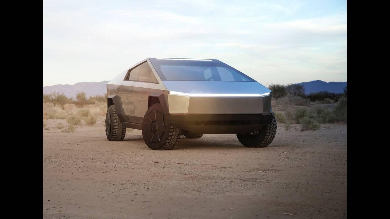 https://cdn.cnngreece.gr/media/news/2019/11/22/198258/photos/snapshot/Tesla-Cybertruck-2022-1600-03.jpg