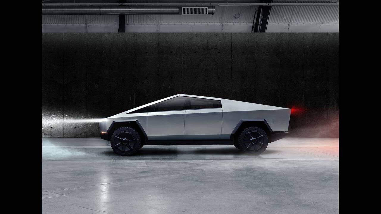 https://cdn.cnngreece.gr/media/news/2019/11/22/198258/photos/snapshot/Tesla-Cybertruck-2022-1600-04.jpg