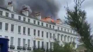 Μεγάλη φωτιά σε ξενοδοχείο στην Αγγλία