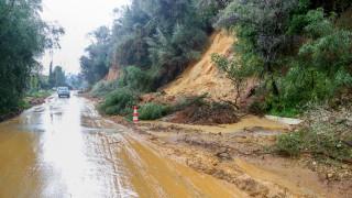 Στο έλεος της κακοκαιρίας Θάσος και Χαλκιδική: Εικόνες καταστροφής