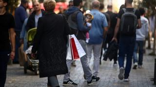 Εορταστικό ωράριο: Ποιες Κυριακές θα είναι ανοιχτά τα καταστήματα και πότε ξεκινά