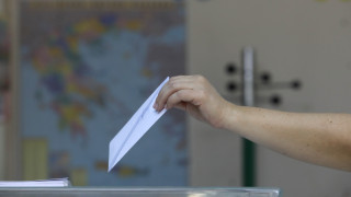 «Άρωμα» κάλπης με σενάριο διπλών εκλογών την άνοιξη