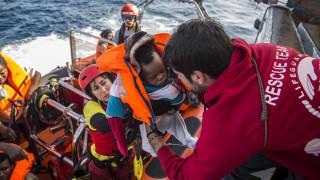 «Θα προτιμούσα να πεθάνω στη θάλασσα από το να επιστρέψω»: Συγκλονίζει διασωθείς μετανάστης