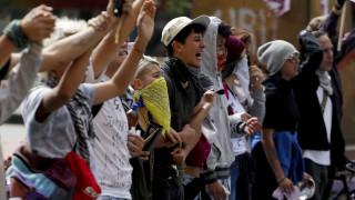 Νέες διαδηλώσεις στην Κολομβία: Ένας έφηβος σοβαρά τραυματίας – Σε διάλογο καλεί ο Ντούκε