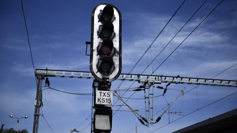 Διακοπή κυκλοφορίας τρένων μετά τις Σέρρες προς Δράμα λόγω μετατόπισης σιδηροδρομικής γέφυρας