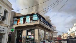 Χανιά: Πυρκαγιά σε καφετέρια στο κέντρο της πόλης – Καταστράφηκε ολοσχερώς