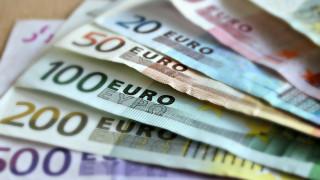 Διαγραφή προστίμων και οφειλών κάτω των 10 ευρώ δρομολογεί η κυβέρνηση