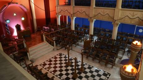 Άνοιξε τις πόρτες του το σπίτι των Μασόνων στη Θεσσαλονίκη – Ουρές για μια ξενάγηση στο εσωτερικό του