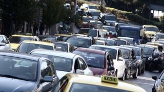 Κυκλοφοριακό κομφούζιο στους δρόμους - Πού εντοπίζονται τα μεγαλύτερα προβλήματα