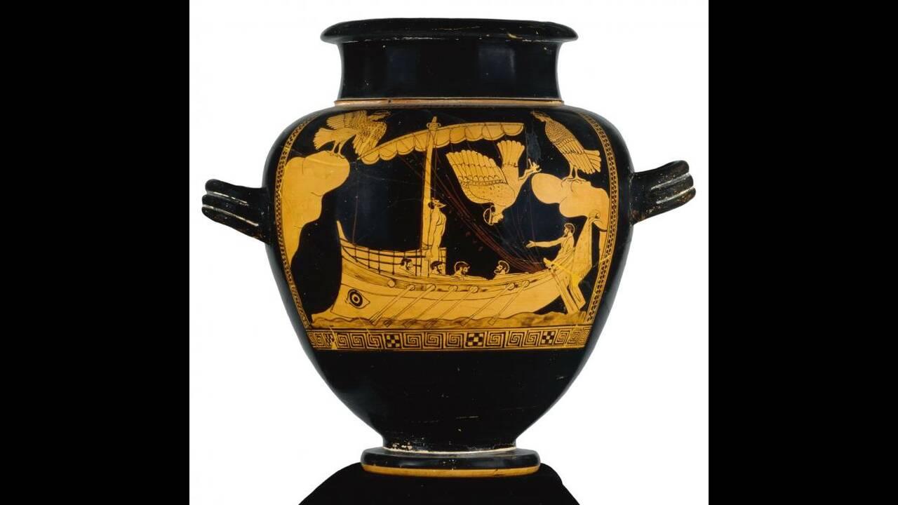https://cdn.cnngreece.gr/media/news/2019/11/25/198499/photos/snapshot/Odysseus-sirens-jar.jpg