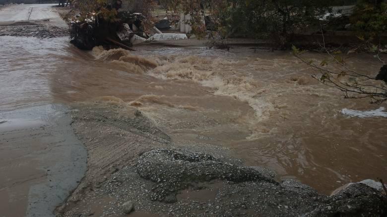 Κακοκαιρία «Γηρυόνης»: Η βροχή στους Αγίους Θεοδώρους ξεπέρασε τα 200 χιλιοστά