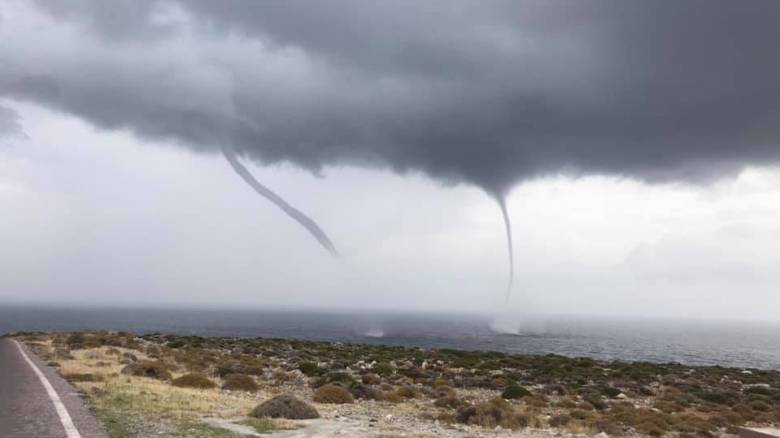 Κακοκαιρία «Γηρυόνης»: Υδροσίφωνες στην Κρήτη - Εντυπωσιακές εικόνες
