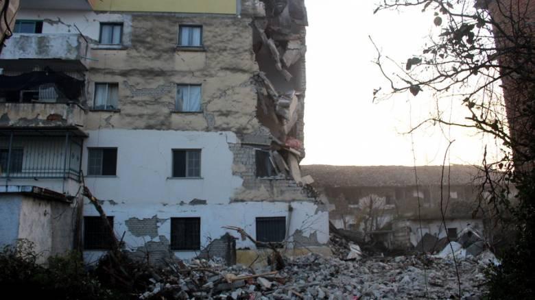 Σεισμός στην Αλβανία: «Δεν σταματούσε» - Κάτοικος περιγράφει τη στιγμή που «χτύπησαν» τα 6,4 Ρίχτερ