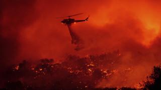 Καλιφόρνια: Εκκενώσεις χιλιάδων σπιτιών στη Σάντα Μπάρμπαρα λόγω της πυρκαγιάς