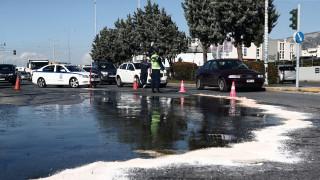 Κυκλοφοριακή συμφόρηση στη λεωφόρο Βουλιαγμένης λόγω... διαρροής ελαιολάδου