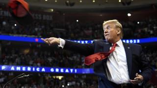 Ο Ντόναλντ Τραμπ αυτοπαρουσιάζεται ως Ρόκι Μπαλμπόα και γίνεται viral