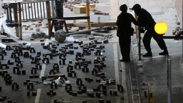 Χονγκ Κονγκ: Η αστυνομία μπήκε στην Πολυτεχνειούπολη μετά από 11ήμερη πολιορκία