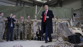 Αιφνιδιαστική επίσκεψη Τραμπ στο Αφγανιστάν: Επανέναρξη συνομιλιών των ΗΠΑ με τους Ταλιμπάν