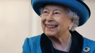 Τέλος εποχής; Βρετανικά δημοσιεύματα θέλουν τη βασίλισσα Ελισάβετ να αποσύρεται του θρόνου