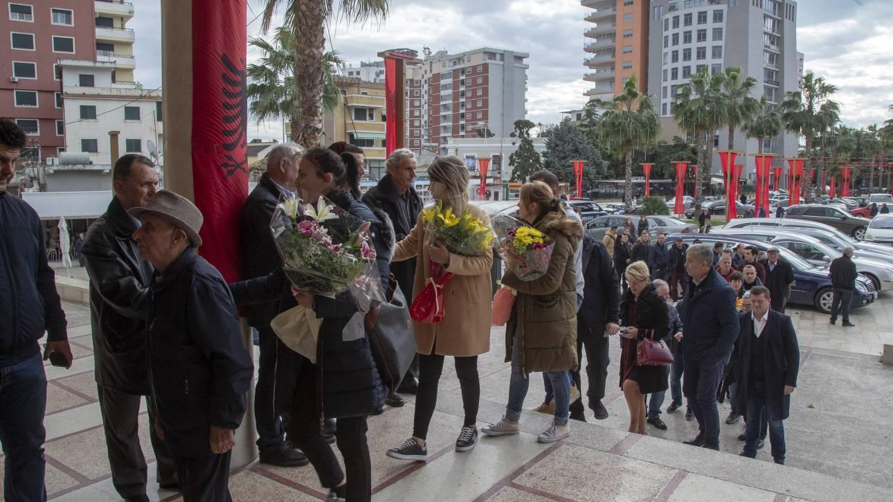 Σεισμός Αλβανία: Θρήνος στις κηδείες των θυμάτων - Συνεχίζονται οι έρευνες