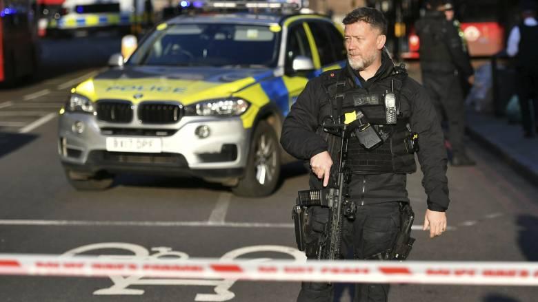 Συναγερμός στη Βρετανία: Πυροβολισμοί στη Γέφυρα του Λονδίνου