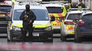 Επίθεση στη Γέφυρα του Λονδίνου: Τρομοκρατική ενέργεια λέει η αστυνομία - Νεκρός ο δράστης