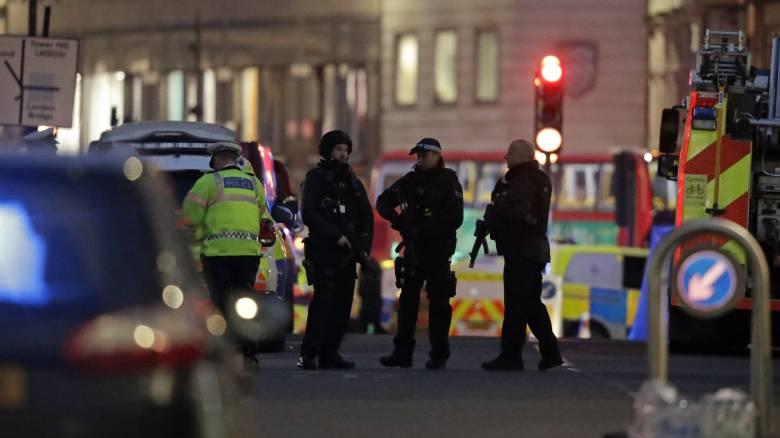Επίθεση στη Γέφυρα του Λονδίνου: Ψεύτικο εκρηκτικό μηχανισμό έφερε πάνω του ο δράστης
