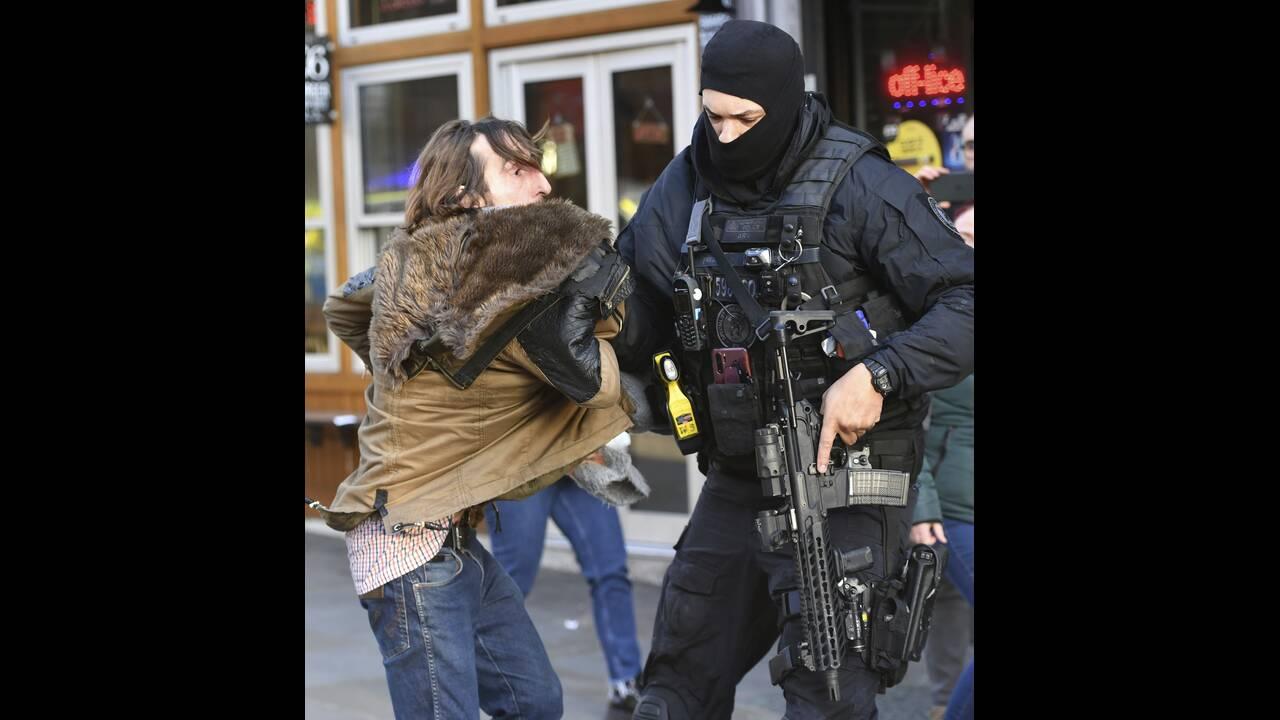 https://cdn.cnngreece.gr/media/news/2019/11/29/199002/photos/snapshot/AP_19333536035109.jpg