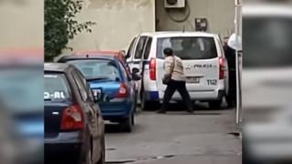 Βίντεο - ντοκουμέντο: Διοικητής αστυνομίας έκλεψε τρόφιμα για τους σεισμόπληκτους στην Αλβανία