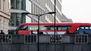 Επίθεση στο Λονδίνο: Πολίτες ακινητοποίησαν τον τζιχαντιστή με πυροσβεστήρα και έναν… χαυλιόδοντα
