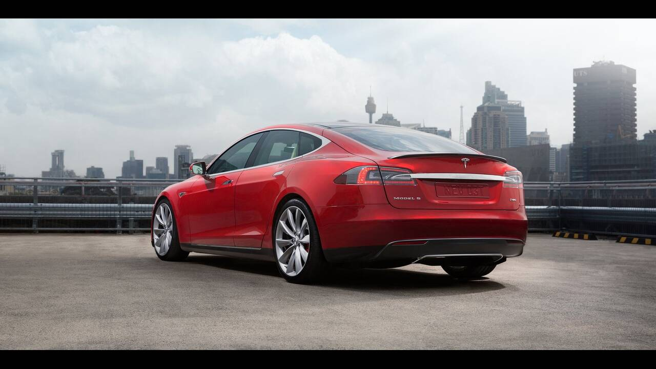 https://cdn.cnngreece.gr/media/news/2019/12/01/199147/photos/snapshot/TESLA-MODEL-S-P85-4.jpg