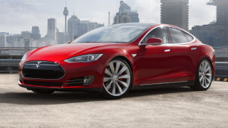 Πόσους κινητήρες και πόσες μπαταρίες έχει αλλάξει ένα Tesla Model S στο 1 εκατομμύριο χιλιόμετρα;