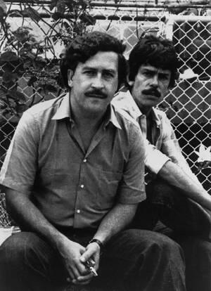 1983, Μεντεγίν. Ο Πάμπλο Εσκομπάρ, ο 41χρονος δισεκατομμυριούχος αρχηγός του καρτέλ του Μεντεγίν, σε αγώνα ποδοσφαίρου στην Κολομβία