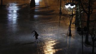 Καιρός: Έρχεται ψυχρό μέτωπο σήμερα το βράδυ - Χιόνια, ισχυρές βροχές και πτώση θερμοκρασίας