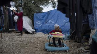 «Βολές» Τσίπρα κατά Χρυσοχοΐδη για τις κλειστές δομές φιλοξενίας