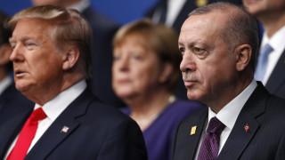 Σύνοδος ΝΑΤΟ: Εκτός προγράμματος συναντήθηκαν Τραμπ και Ερντογάν - Τι συζήτησαν
