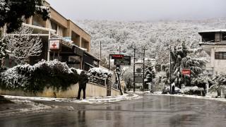 Καιρός: Έπεσαν τα πρώτα χιόνια σε πολλές περιοχές της Ελλάδας