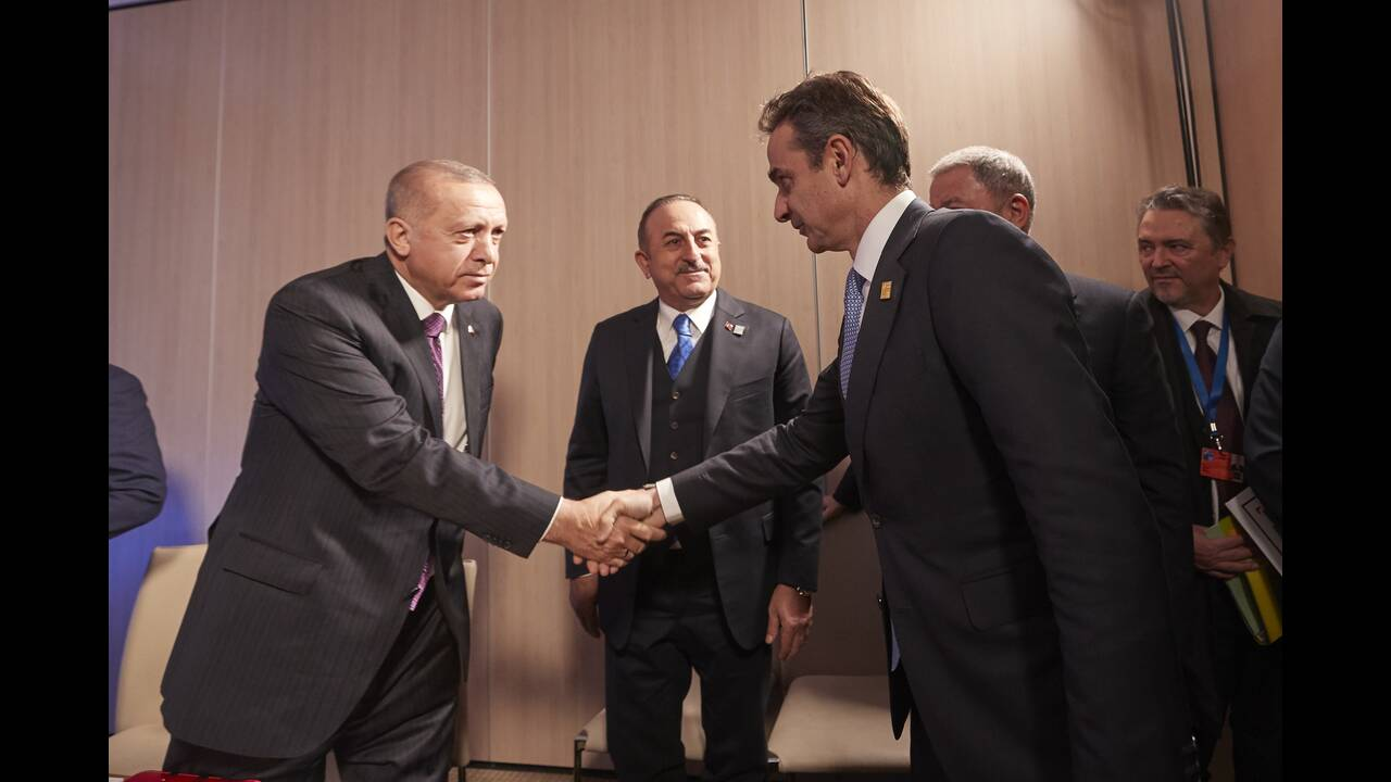 https://cdn.cnngreece.gr/media/news/2019/12/04/199514/photos/snapshot/mitsotakis-erdogan-2.jpg