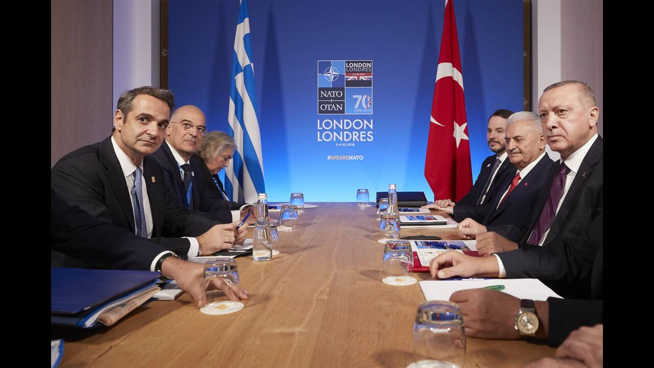 https://cdn.cnngreece.gr/media/news/2019/12/04/199514/photos/snapshot/mitsotakis-erdogan-3.jpg