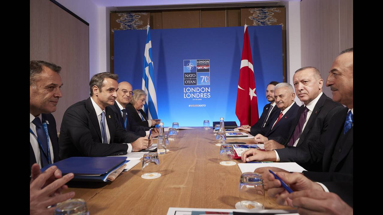 https://cdn.cnngreece.gr/media/news/2019/12/04/199514/photos/snapshot/mitsotakis-erdogan.jpg