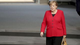Θολώνει το γερμανικό «οικονομικό θαύμα» - Σφυρίζει… αδιάφορα η Μέρκελ