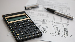 Μπλοκάκια: Καταργούνται οι διπλές εισφορές για μισθωτούς - Τι αλλάζει στις αποδείξεις δαπάνης