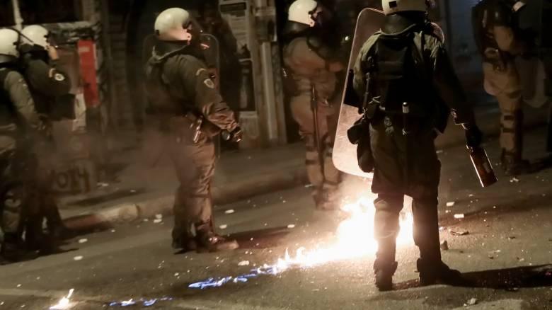Μπαράζ επιθέσεων τα ξημερώματα: «Χτύπησαν» σε δεκάδες σημεία μέσα σε μισή ώρα