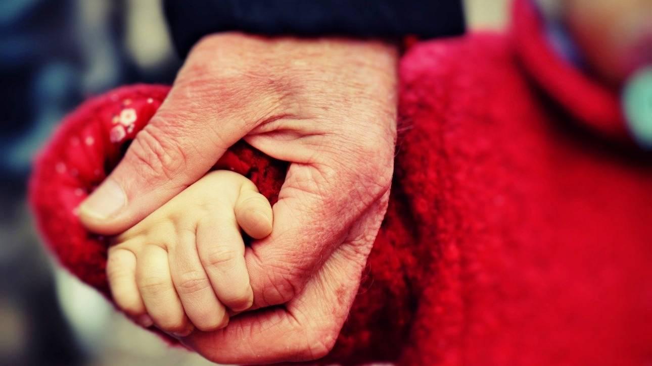 Επίδομα γέννας 2.000 ευρώ από 1η Ιανουαρίου 2020: Τα μέτρα για αναδοχή και υιοθεσία