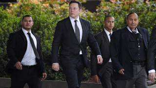 Ο Ίλον Μασκ αθωώθηκε στη δίκη για τον «παιδεραστή σπηλαιολόγο»