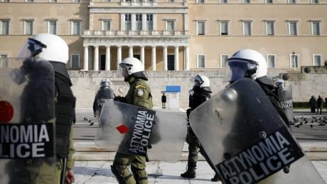 Απάντηση Χρυσοχοΐδη σε ΣΥΡΙΖΑ: Ψέμα η ακραία καταστολή - Τα ΜΑΤ δεν εξευτέλισαν διαδηλωτές