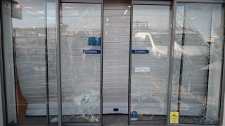 Μαρκόπουλο: Ληστεία με εισβολή ΙΧ σε κατάστημα ηλεκτρικών ειδών