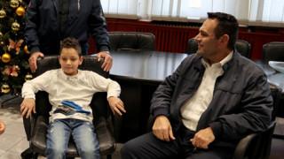«Είναι ένα σχεδόν φυσιολογικό παιδί»: Τι λέει ο πατέρας του 8χρονου «Αϊνστάιν» από την Πέλλα
