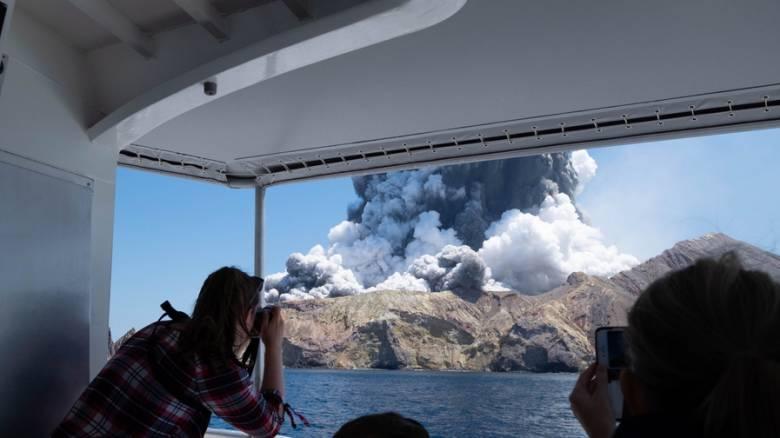 Νέα Ζηλανδία: Βίντεο από τη στιγμή της έκρηξης του ηφαιστείου