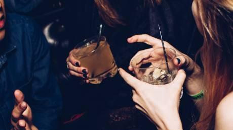 Δύο ποτά τη μέρα αυξάνουν τον κίνδυνο εμφάνισης καρκίνου